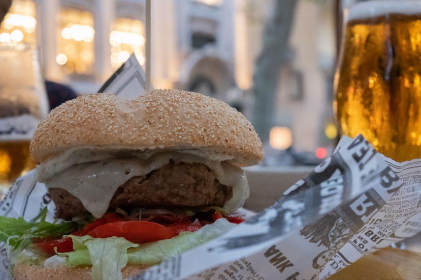 Under the stars: Burger Lab