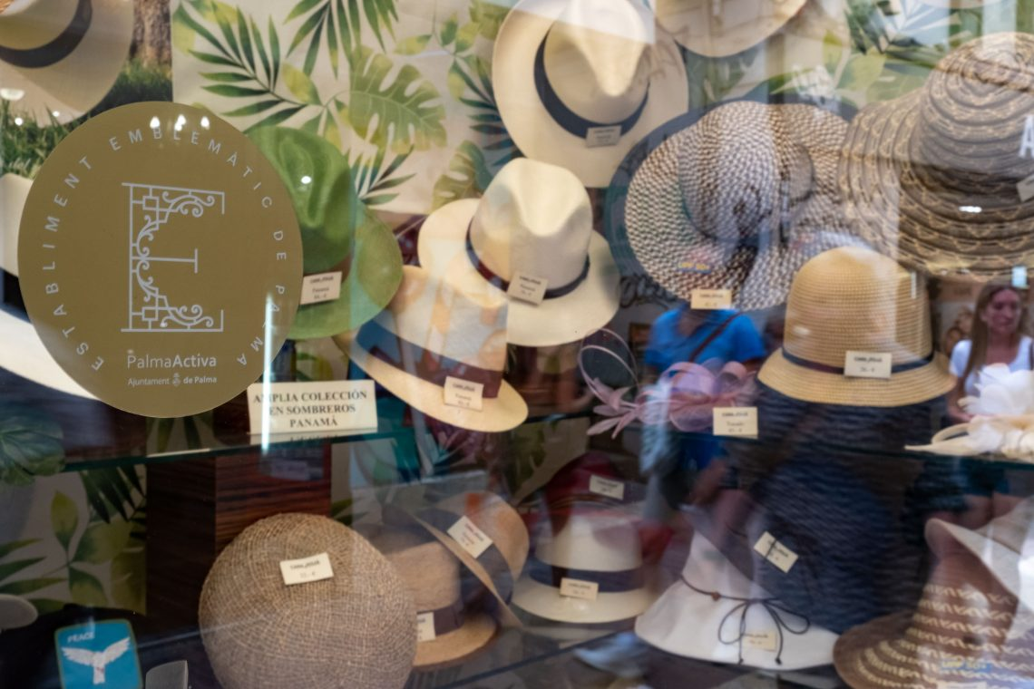 A hat for every head: Casa Juliá
