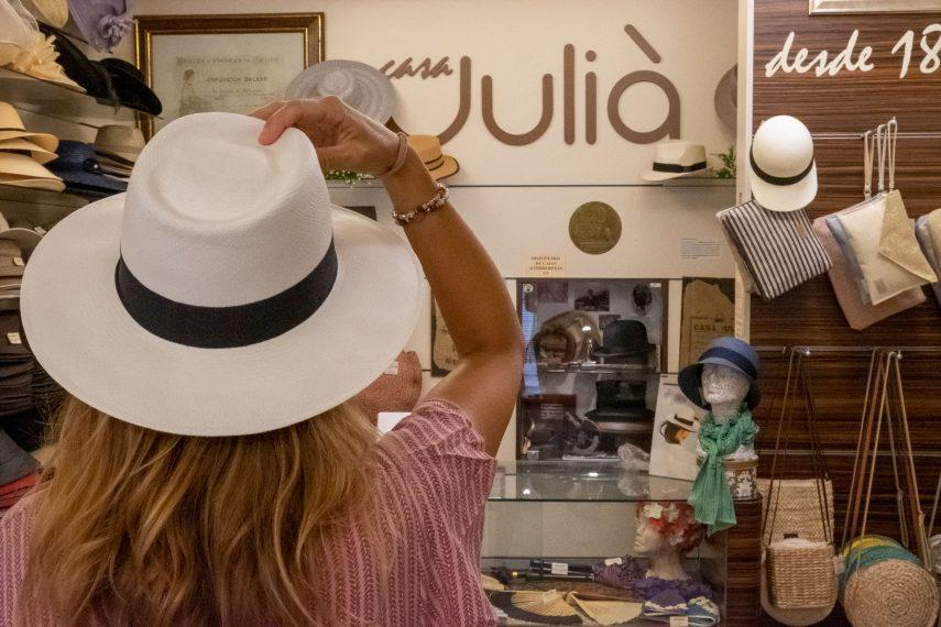 A hat for every head: Casa Juliá - Estilo Palma