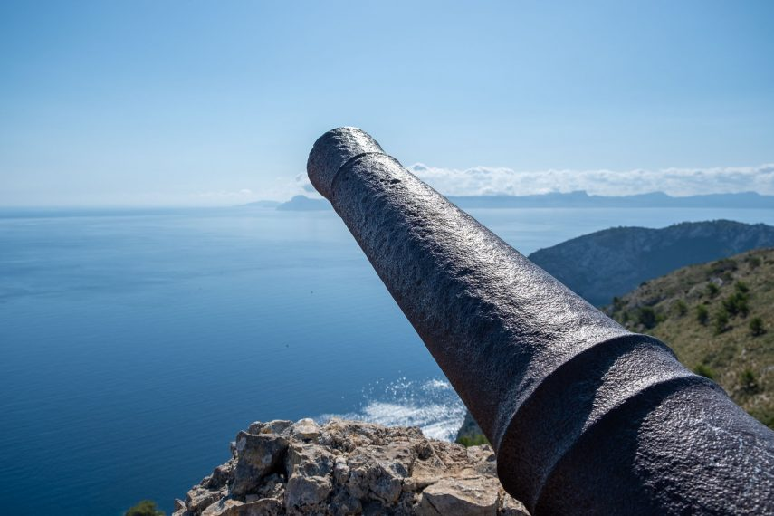 On the lookout: Penya des Migdia - Estilo Palma