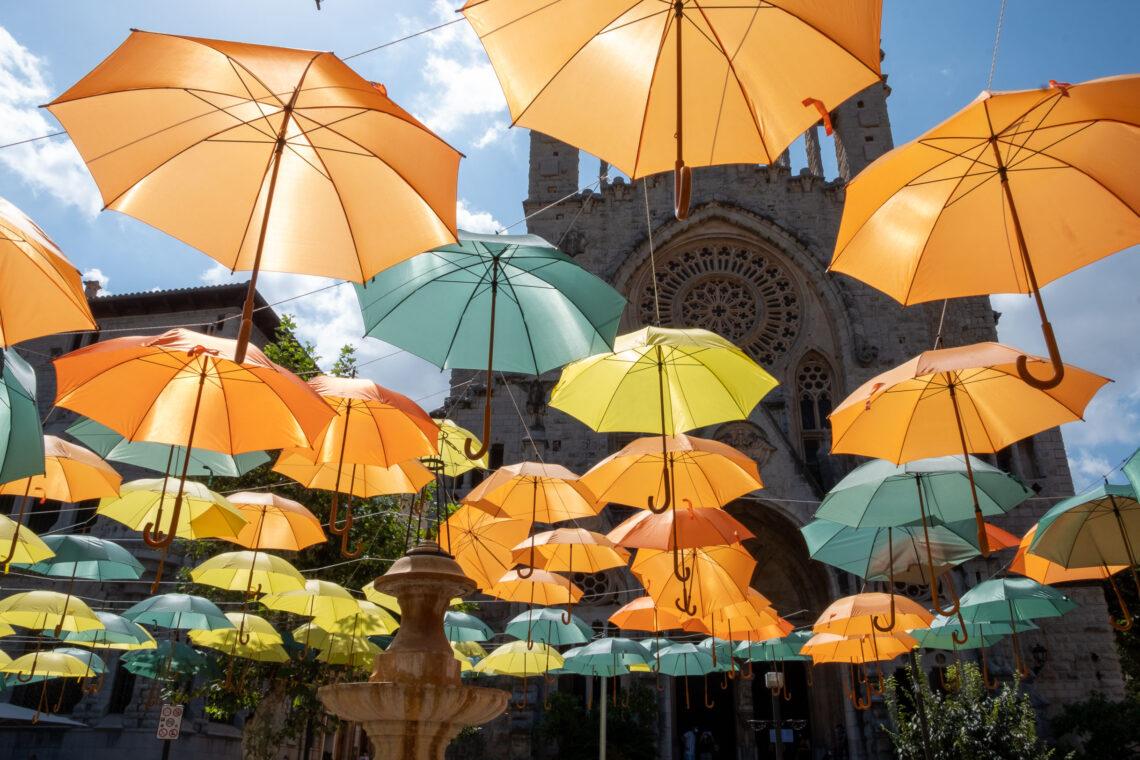 Floating parasols